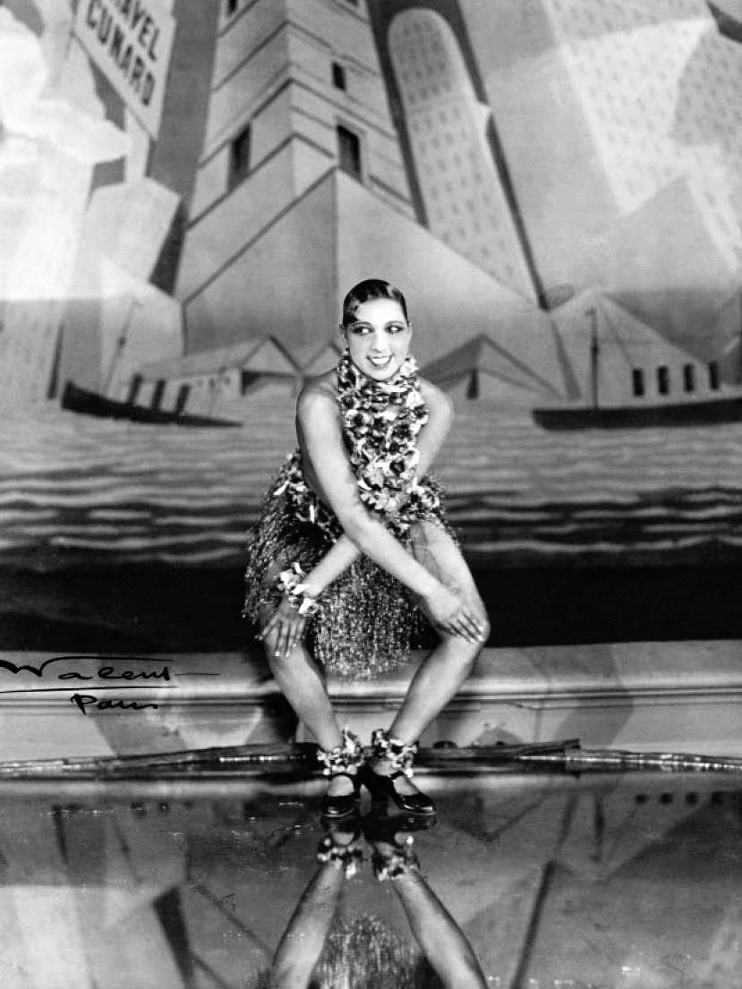 Josephine Baker dancing the Charleston, 1926