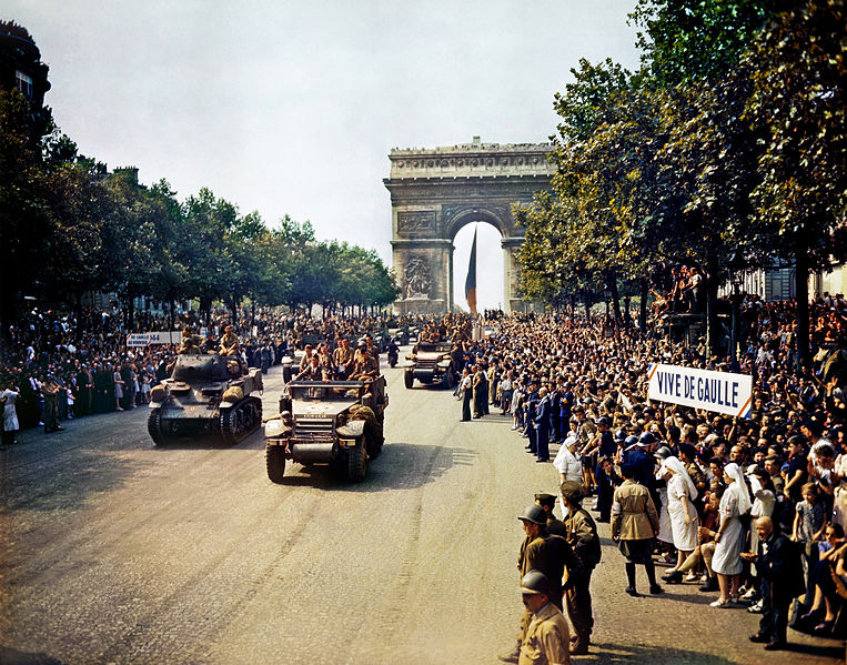 Parade passes through the Arc de Triomphe on August 26, 1944, following the liberation of Paris