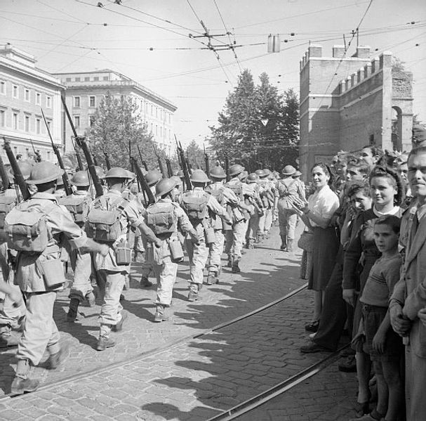 Men of the 1st Battalion, Duke of Wellington's Regiment, during liberation of Rome, June 8, 1944